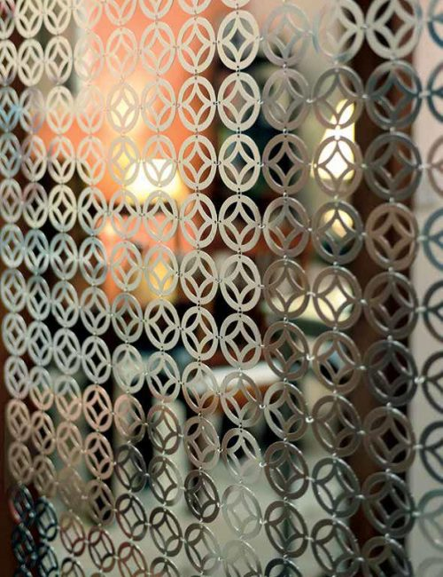 Chainmail curtain pattern